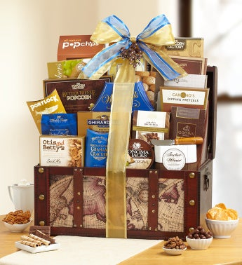 Stately Holiday Gourmet Gift Trunk