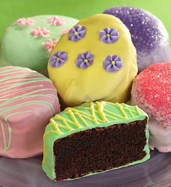 Rich Easter Egg-Shaped Mini Brownie Cakes